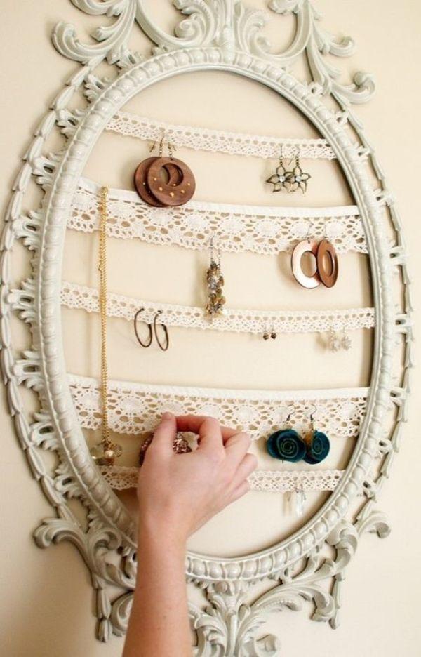 Органайзер для хранения бижутерии из картинной рамы