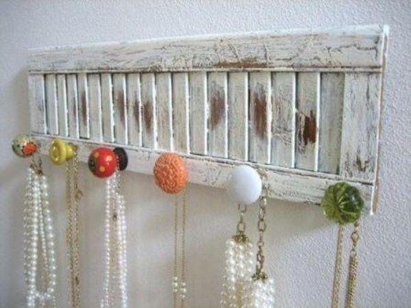 Органайзер для украшений из настенной вешалки