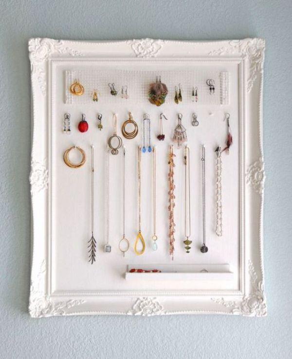 Рамка для картин используется для хранения украшений