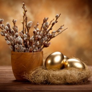 Пасха - золотые яйца в гнезде