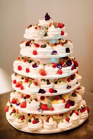 tort-iz-kapkejkov-svadebnyj1