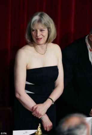 Тереза способна на смелые решения не только в политике, но и в одежде
