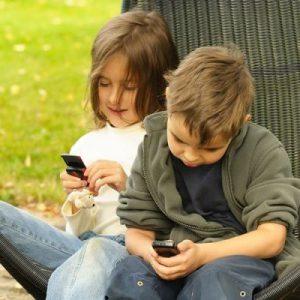 deti-so-smartfonami