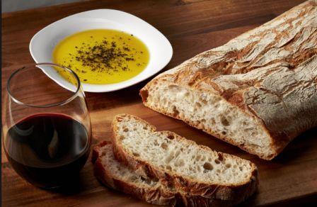Итальнская чиабатта с оливковым маслом и вином