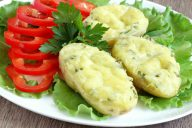 картофельные лодочки с сыром и чесноком