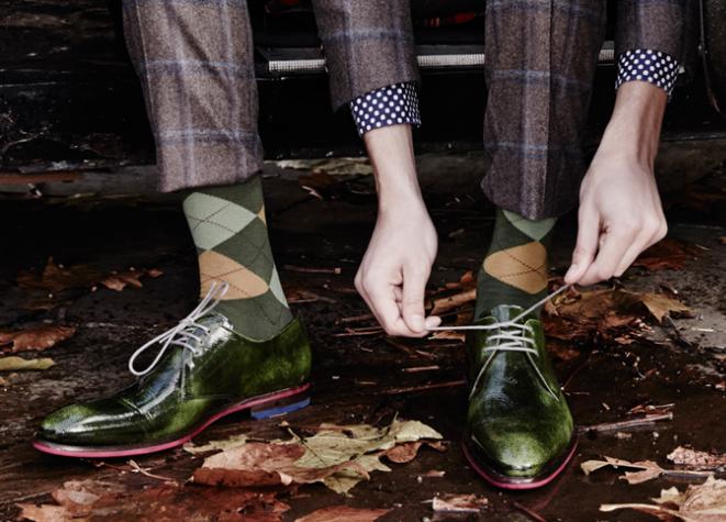 3da1183c8d3 Как мужчинам следует носить цветные яркие носки