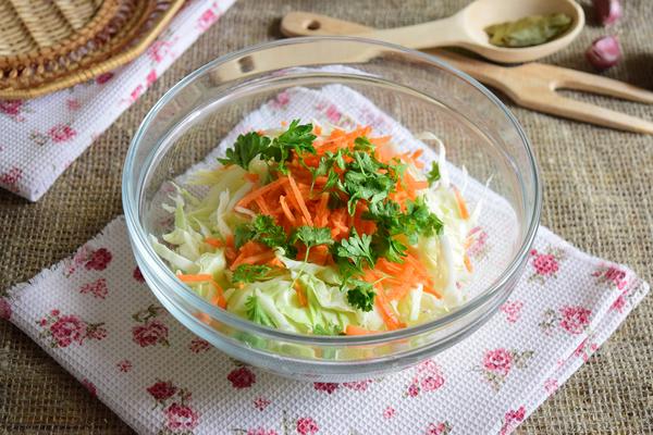 Перец, фаршированный капустой и морковью - шаг 5