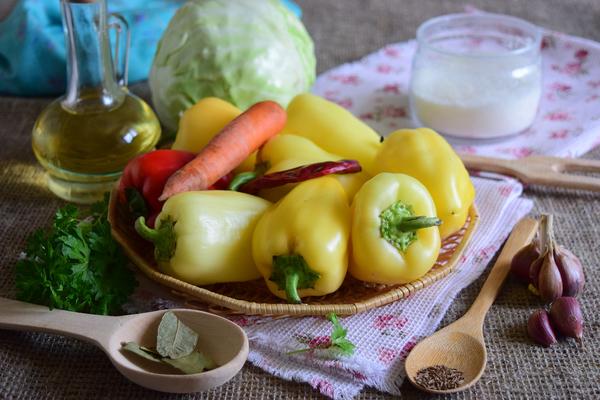 Перец фаршированный на зиму - ингредиенты