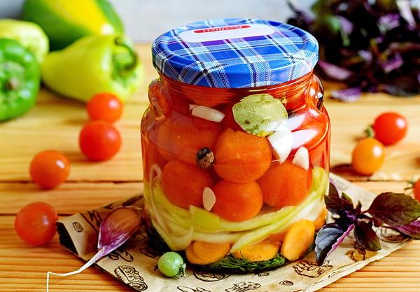 Консервированные помидоры черри со сладким перцем