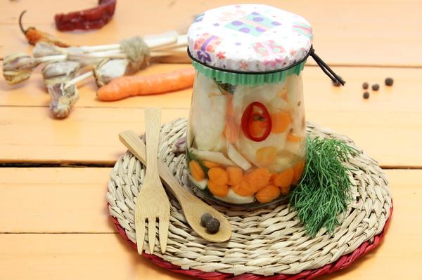 салат из капусты кольраби рецепты с фото на зиму