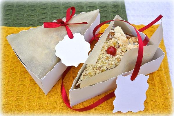 Самодельная коробочка для кусочка пирога