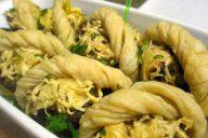 Шампионы, фаршированные грибами. сыром, луком. яйцами