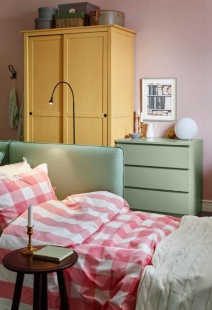 Спальное место с диваном-кроватью
