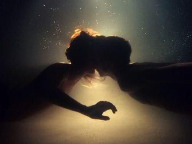 vljublennye-pod-vodoj