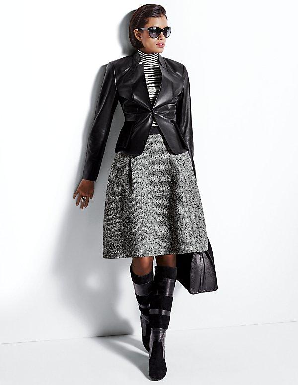 Черная глянцевая куртка из ягненка