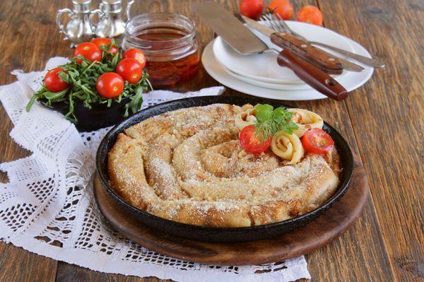 Блинный пирог с начинкой из курицы