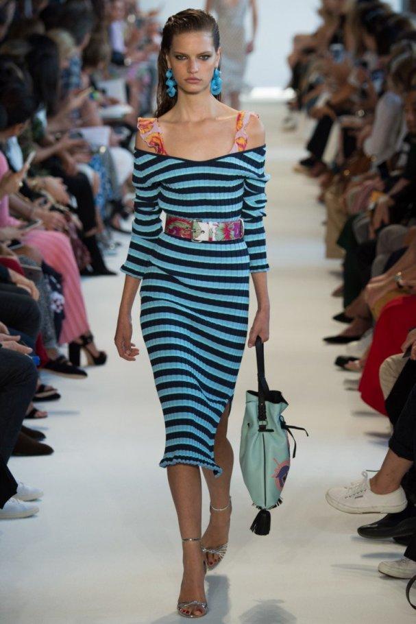 Полосатое платье с открытыми плечами и декольте Altuzarra