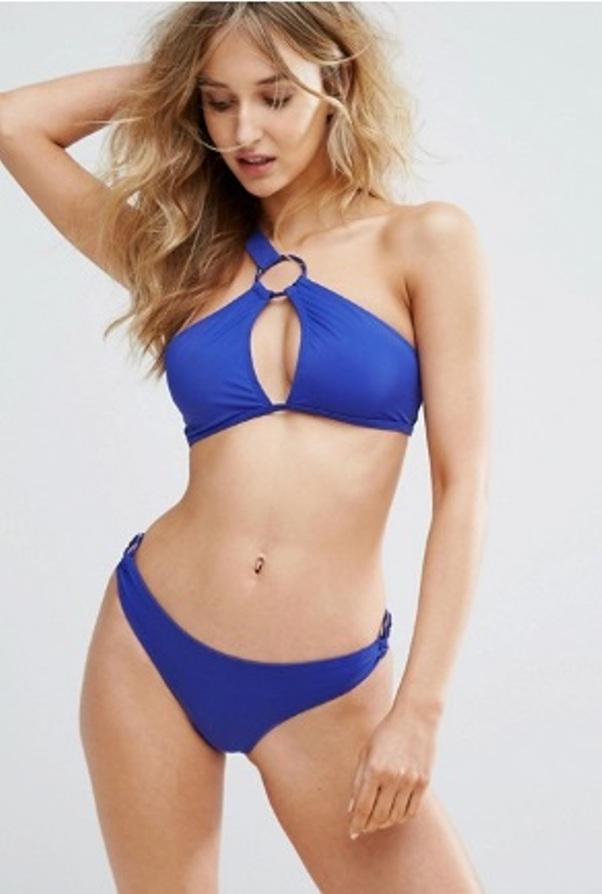bikini09