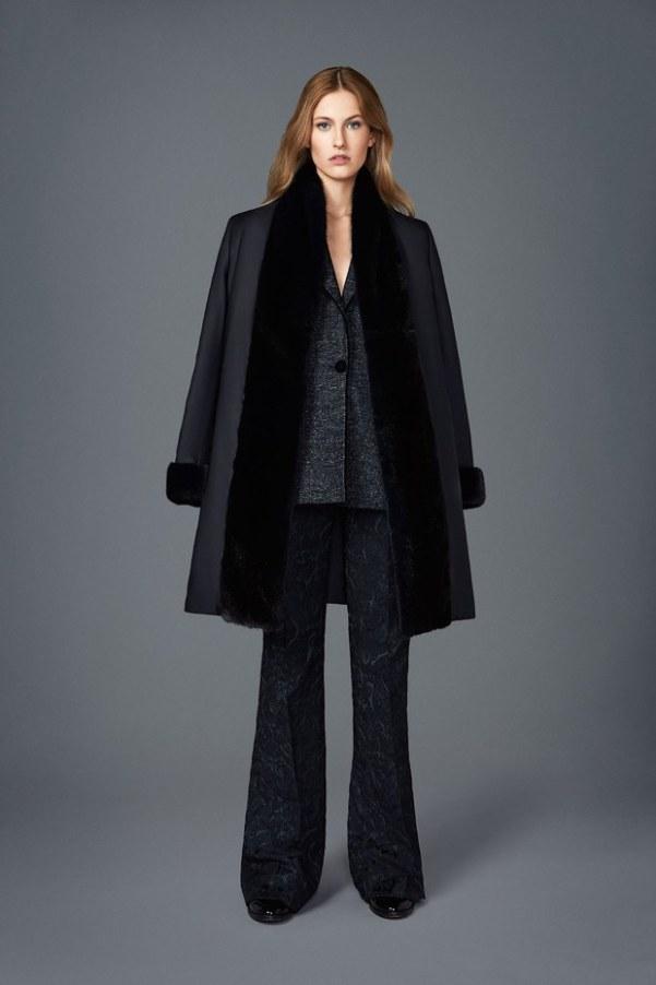 Kiton - черно-серая одежда: брючный костюм и пальто