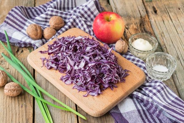 Салат из красной капусты - шаг 1