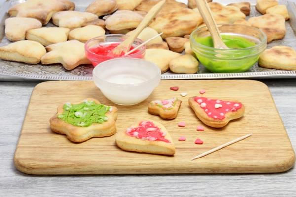 Печенье с глазурью из творожного теста - шаг 8