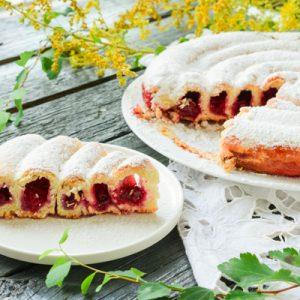 Пирог-улитка с вишней
