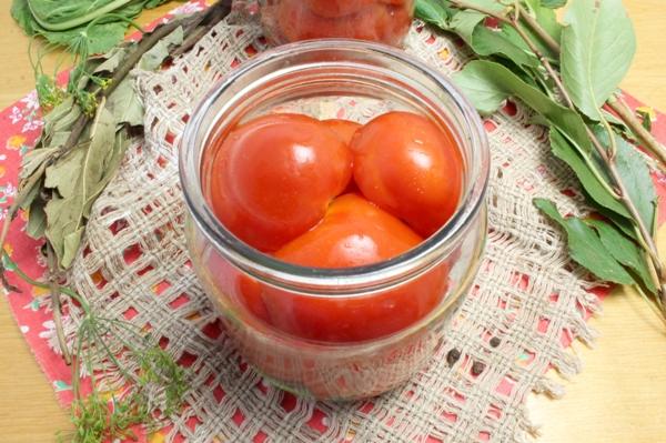 Консервированные помидоры с луком - шаг 5