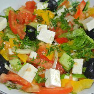 grecheskiy-salat-s-syrom-feta02