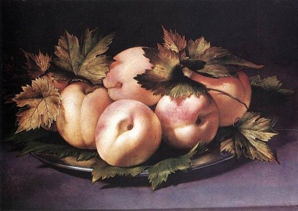 Металлическая тарелка с персиками и виноградными листьями, 1591. Масло на дереве. Джованни Амброджо Фиджино (1548-1608). Частная коллекция